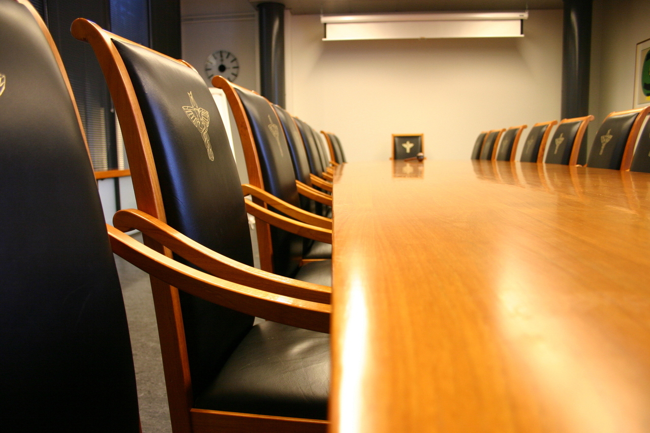 meeting-room-1-1232521-1279x852